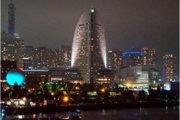 夜幕下的横滨,灯光装饰很有用心