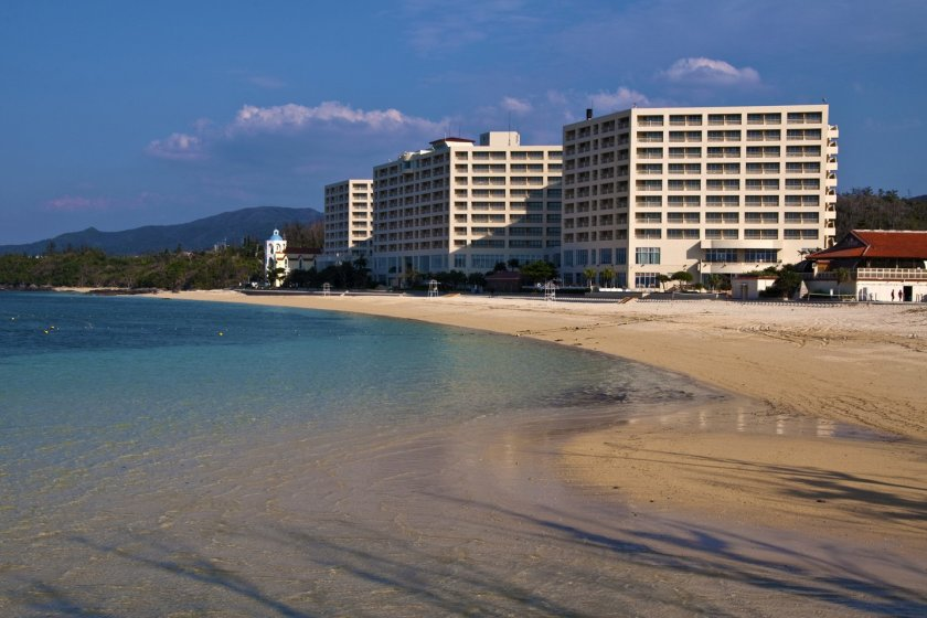 RizzanSea-Park Hotel and the pristine turquoise waters