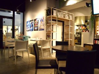 Cafe Asan's interior is clean but not overly sleek, which kind of resembles a well-kept home.