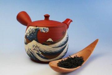 Чайник для японского чая с узнаваемым мотивом