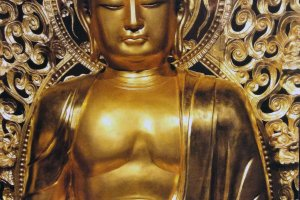 Amida Nyorai is the principle figure ofBuddhist Pure LandSect. This probably one of the most easily recognized Buddhist images. Therefore, it is no surprise to find this plus-sized statue on display.