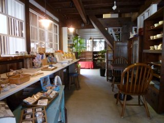 Just inside the door is a small 'zakka' (knick-knack) shop.