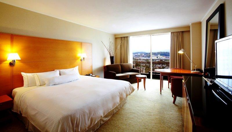 The spacious rooms at Westin Miyako Hotel and Resort