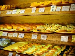 Roti-roti yang baru dipanggang