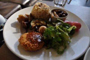 Alternate croquette and sides lunch plate