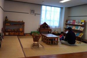 Tatami playroom in the 'salon' on the ground floor