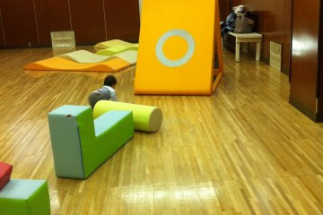 <p>Toddler-gym room in the B1 floor; turns into a sports area for elementary&nbsp;students in the afternoons</p>