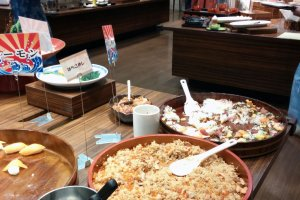 A variety of foods are offered at the buffets, always with some kind of fish, sushi, or sashimi to suit the seaside town.Western pasta, steak, etc. can also be found so no matter what your paletteisyou will find something tasty to enjoy.
