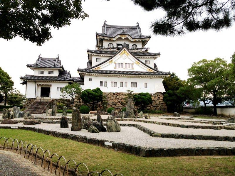 <p>岸和田南海站的岸和田城可以使用免费wi-fi(前提是事先登陆大阪观光局)</p>