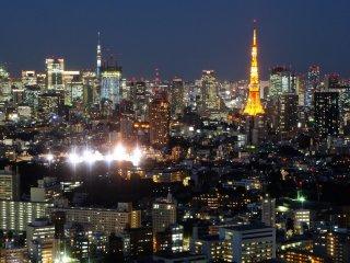 에비스 가든 플레이스는 도쿄 타워와 도쿄 스카이트리 두 타워가 같은 높이인 독특한 곳이다. 전망공간 39층에는 중국식당 토텐코가 있다