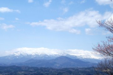 <p>The Ou Mountains, which have Zao-san as their highest peak.</p>