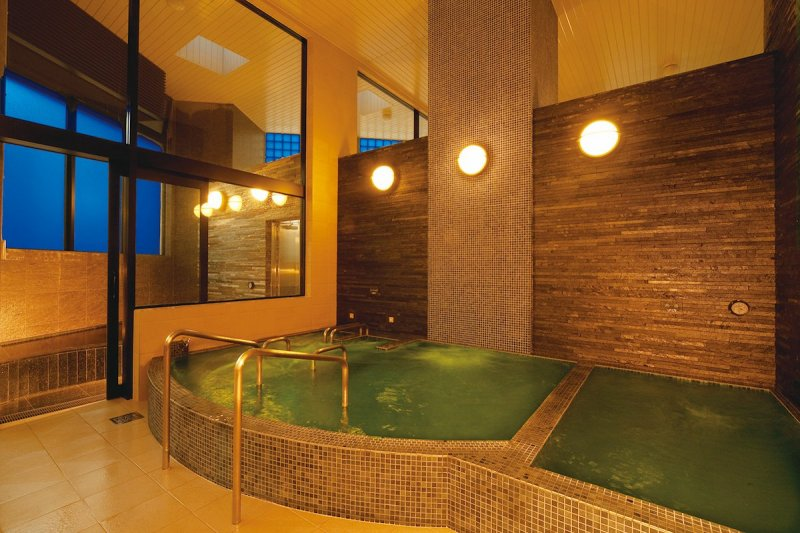 Indoors there is also a whirlpool bath and jacuzzi bath.