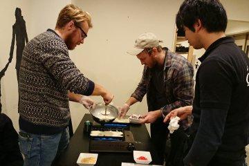 Make Takoyaki in Osaka